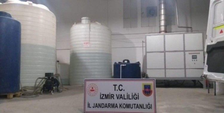 İzmir'de kaçak içki imal edilen depoya jandarmadan şok baskın