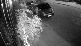 İnatçı kundakçı, ilk iki denemesinde başarılı olamayınca minibüse benzin döküp yaktı