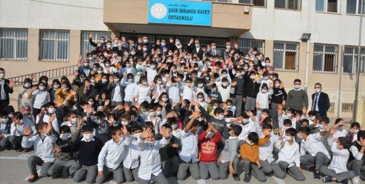 Lösemi hastası Birgül'e destek için tüm okul maske taktı