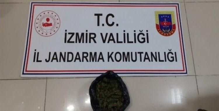 İzmir'de uyuşturucu operasyonu: 2 gözaltı