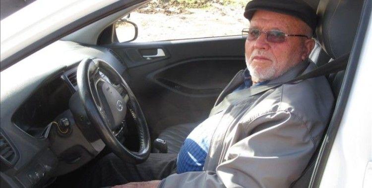 Felçli eşi için 74 yaşında ehliyet aldı