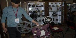 Fotoğraf Makinası Müzesi'nde,  kısa film gösterimi yapılıyor