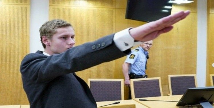 Norveç'teki cami saldırısının sorumlusu mahkemede Nazi selamı verdi