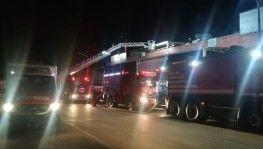 İzmir'de 2 alüminyum imalathanesinde korkutan yangın
