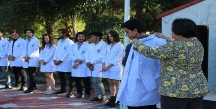 Veteriner hekim adayları önlük giydi