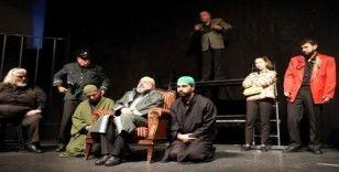 Turgutlu'da 'Memleketin Kısmeti' oyunu büyük beğeni topladı