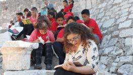 Tarihi Kızkalesi'nde kitap okudular
