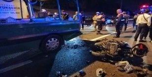 Cenaze aracına motosiklet arkadan çarptı: 1'i ağır 5 yaralı