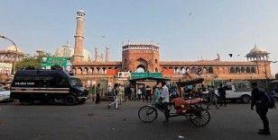 Hindistan Yüksek Mahkemesi, Hindular lehine karar verdi