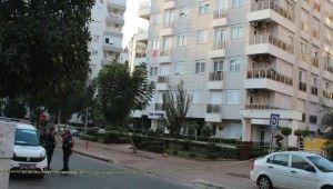 Antalya'da dört kişilik aile evde ölü bulundu