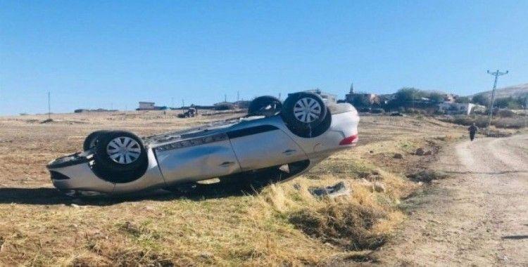 Siirt'te otomobil takla attı: 2 yaralı