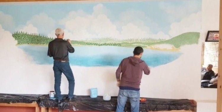 Asırlık mesire alanı ve gölet, şifalı hamamın duvarına yağlı boya ile resimleniyor