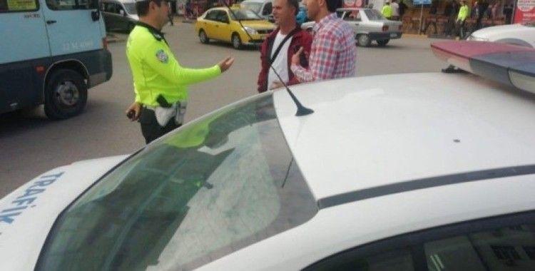 Trafik polisleri bu kez yayaları uyardı