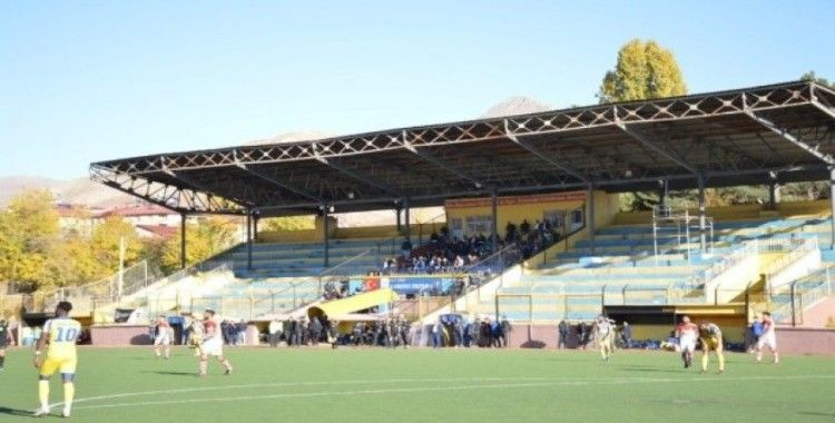 Bitlis Özgüzeldere Spor evinde rakibini 6 golle geçti
