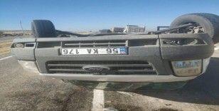 Siirt'te minibüs devrildi: 2 yaralı