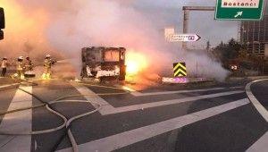 TEM'de otobüs alev alev yandı