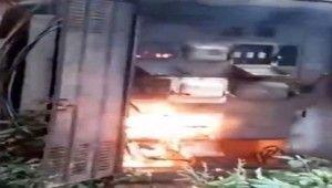 Elektrik işçisi çalışırken trafo patladı