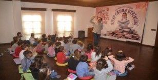 Kuşadası'nda 'Dünya Çocuk Kitapları Haftası' etkinliği