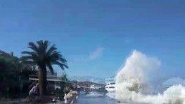 Kıyıya vuran dalgalar nedeniyle vatandaşlar ölümden döndü