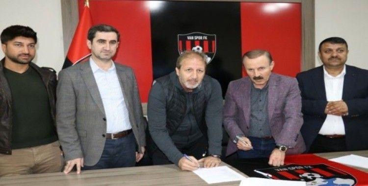 Van Spor FK'da imza töreni