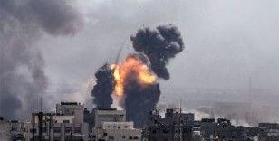 Filistinli gruplar İsrail'e en az 50 füze fırlattı