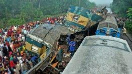 Bangladeş'te iki tren çarpıştı, 16 ölü, 48 yaralı
