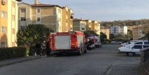 Ev yangınında bir kişi dumandan etkilendi