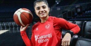 Milli basketbolcu Merve Aydın Fransa'da oynamanın mutluluğunu yaşıyor