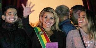 Bolivya'da siyasi kriz derinleşiyor