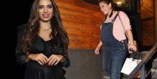 Hazal Kaya ve Rachel Araz'ın doğumuna 1 ay kaldı