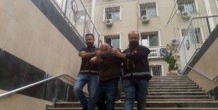 İstanbul'da otomobil hırsızlarına operasyon anı polis kamerasında