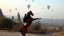 Kapadokya'da balonların görsel şöleni