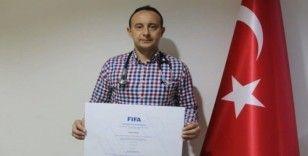 ADÜ Öğretim Üyesi FİFA'nın resmi futbol doktoru oldu