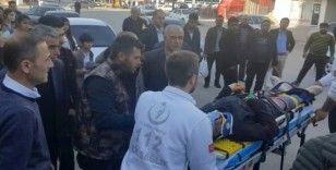 3. kattan düşen işçi yaralandı