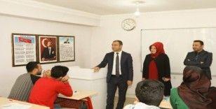 Kaymakam Aslan'dan 'Sürekli Eğitim Merkezi'ne ziyaret