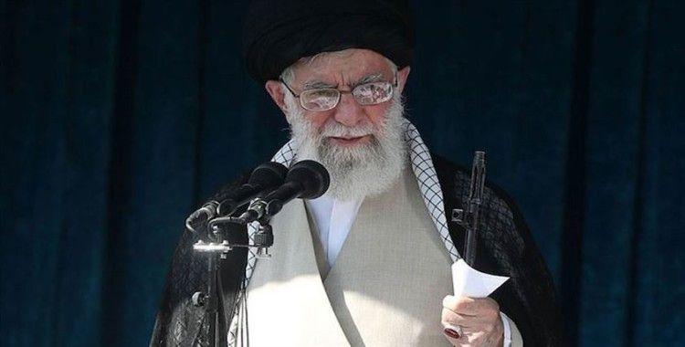 İran'da Hamaney'e yakın gazete protesto liderlerinin 'idamla' yargılanacağını yazdı