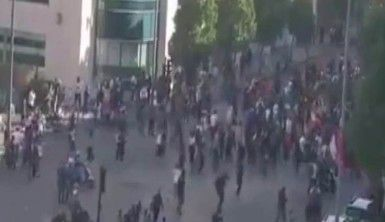 Lübnan'da protestocular parlamento binasını kuşattı