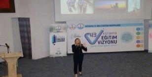 Kütahya'da okul ve kurum idarecilerine 'Diksiyon ve Türkçenin Doğru Kullanımı' eğitimi