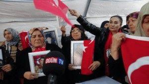 Kayseri'den evlat nöbetindeki ailelere destek