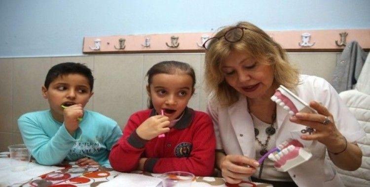Buca'da miniklere ağız ve diş sağlığı eğitimi