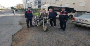 Ayvalık'ta motosiklet hırsızları jandarmadan kaçamadı
