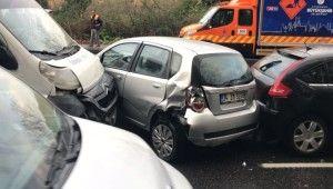 Sarıyer'de 8 araç birbirine girdi, ortalık savaş alanına döndü