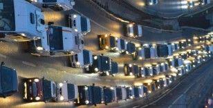 Okullar açıldı, trafik yoğunluğu başladı