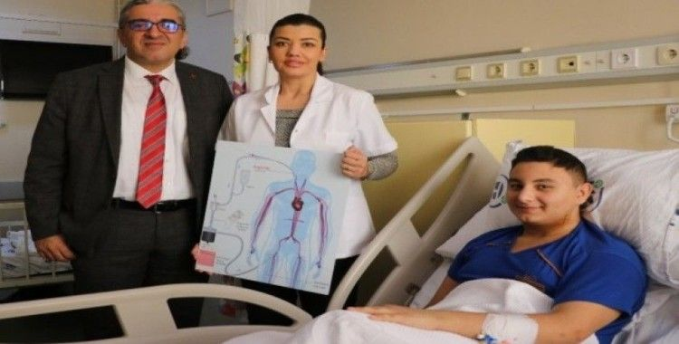 Yatalak kalmaktan özel ameliyatla kurtuldu