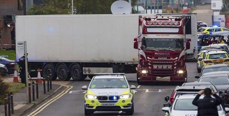İngiltere'de tırda bulunan 39 cesede ilişkin gözaltılar sürüyor