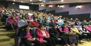 150 öğrenci sinemayla ilk defa tanıştı