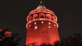 İstanbul'un simgeleri kadına şiddete karşı turuncuya büründü