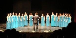 Maltepe'de şarkılar kadına şiddete karşı söylendi