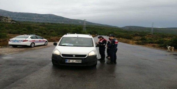 İzmir'de jandarmadan huzur operasyonu: 18 kişi yakalandı