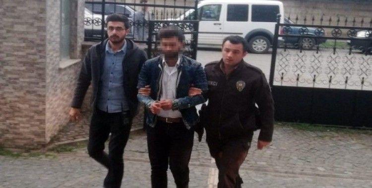Polise bıçak çeken cezaevi firarisinin oğulları adliyede